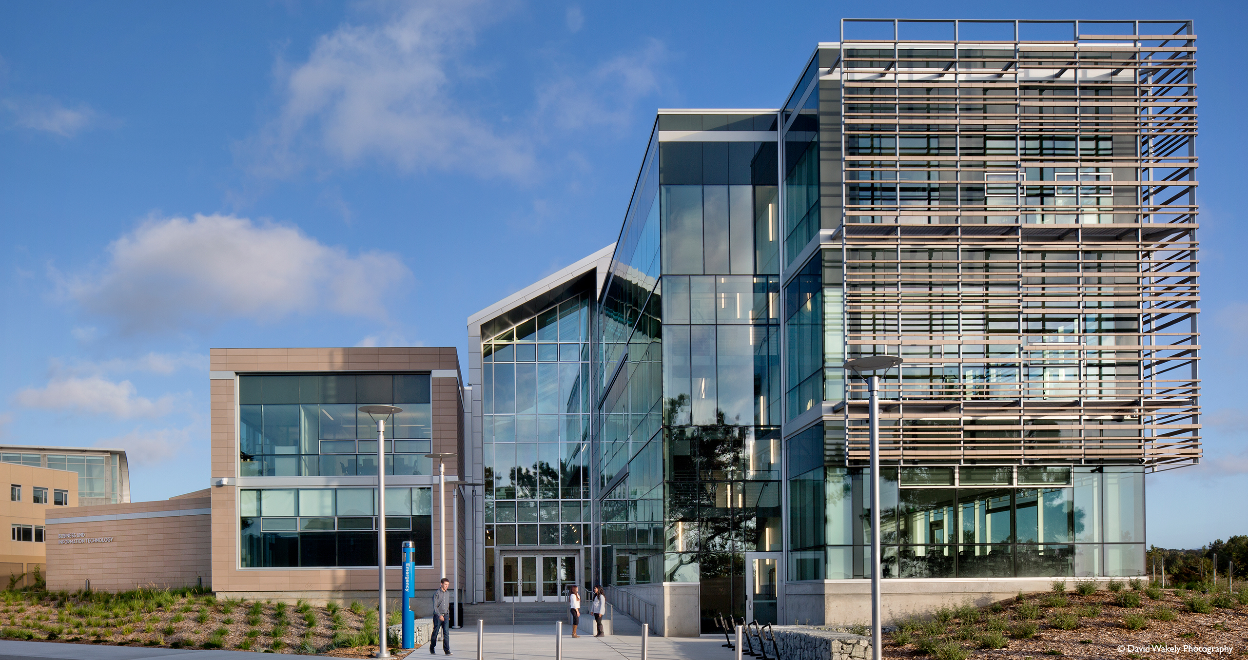 California State University Monterey Bay - Business and Technology Building Terreal North America